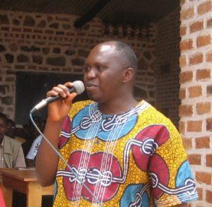 Dieudonné Kabinakanwa, Mitbegründer und Präsident von MI-PAREC spricht bei Friedensgesprächen.
