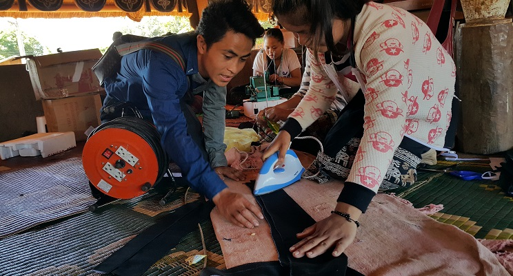 Näherinnen Ausbildung in Laos