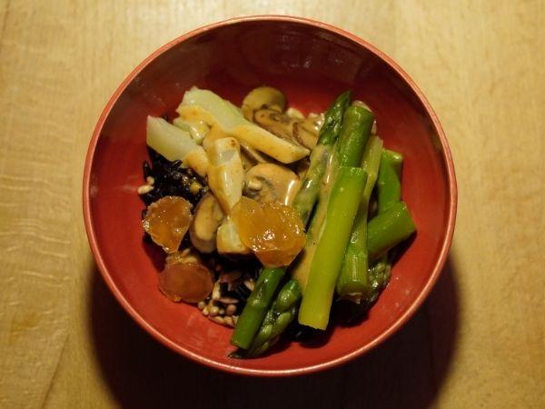 Vegane Spargel-Rice-Bowl