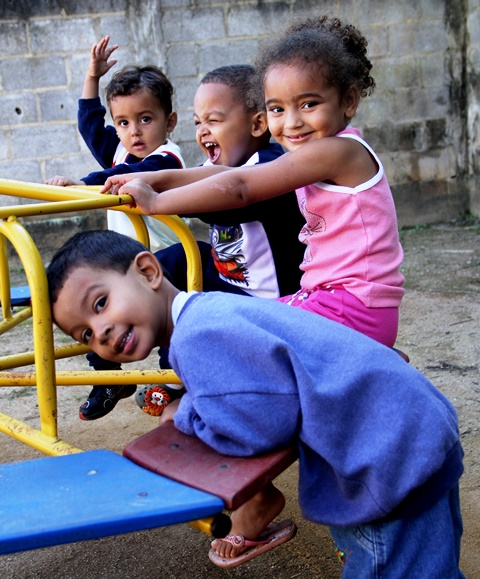 CAMPO-Kindertagesstätten: Kinder beim Spielen