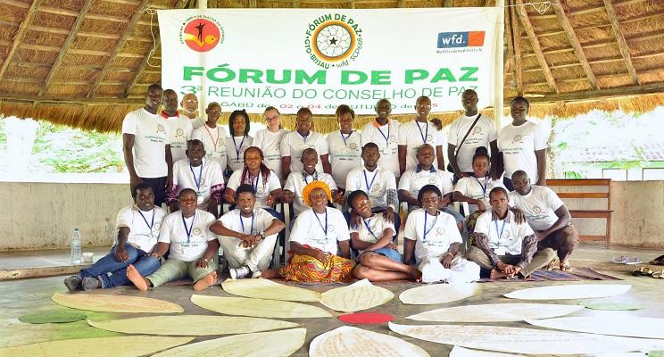 Gruppenbild vom Friedensforum