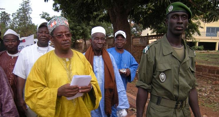 Friedensdialog zwischen Milität und Zivilgesellschaft in Guinea