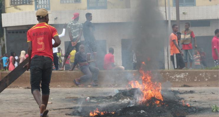 Jugendliche bei einen eskalierter Protest