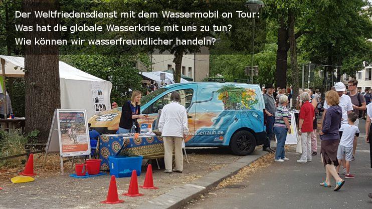 Wassermobil des Weltfriedensdienst informiert über die globale Wasserkrise