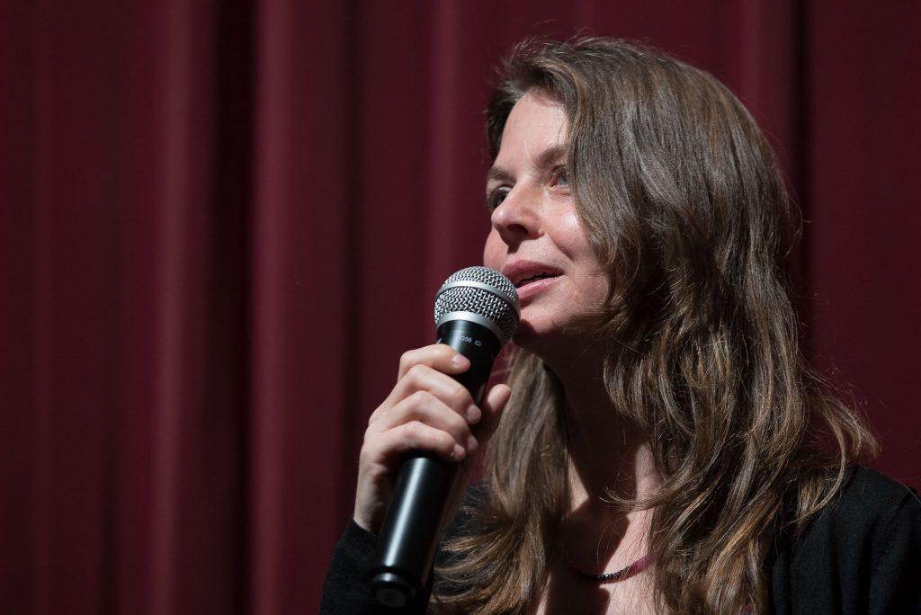 """Die Regisseurin Almudena Carracedo des Preisträgerfilms """"The Silence of Others"""" bei der Preisverleihung"""