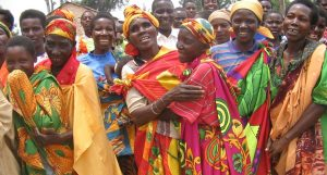 Lachende Frauen in Burundi